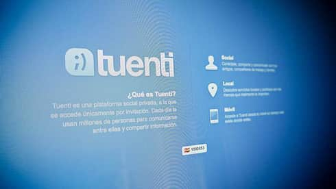 Tuenti vs Facebook